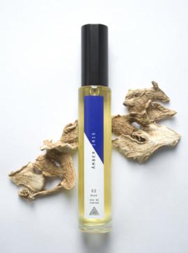 Werden Sie Ihr eigener Parfümeur mit Layers by Experimental Perfume Club