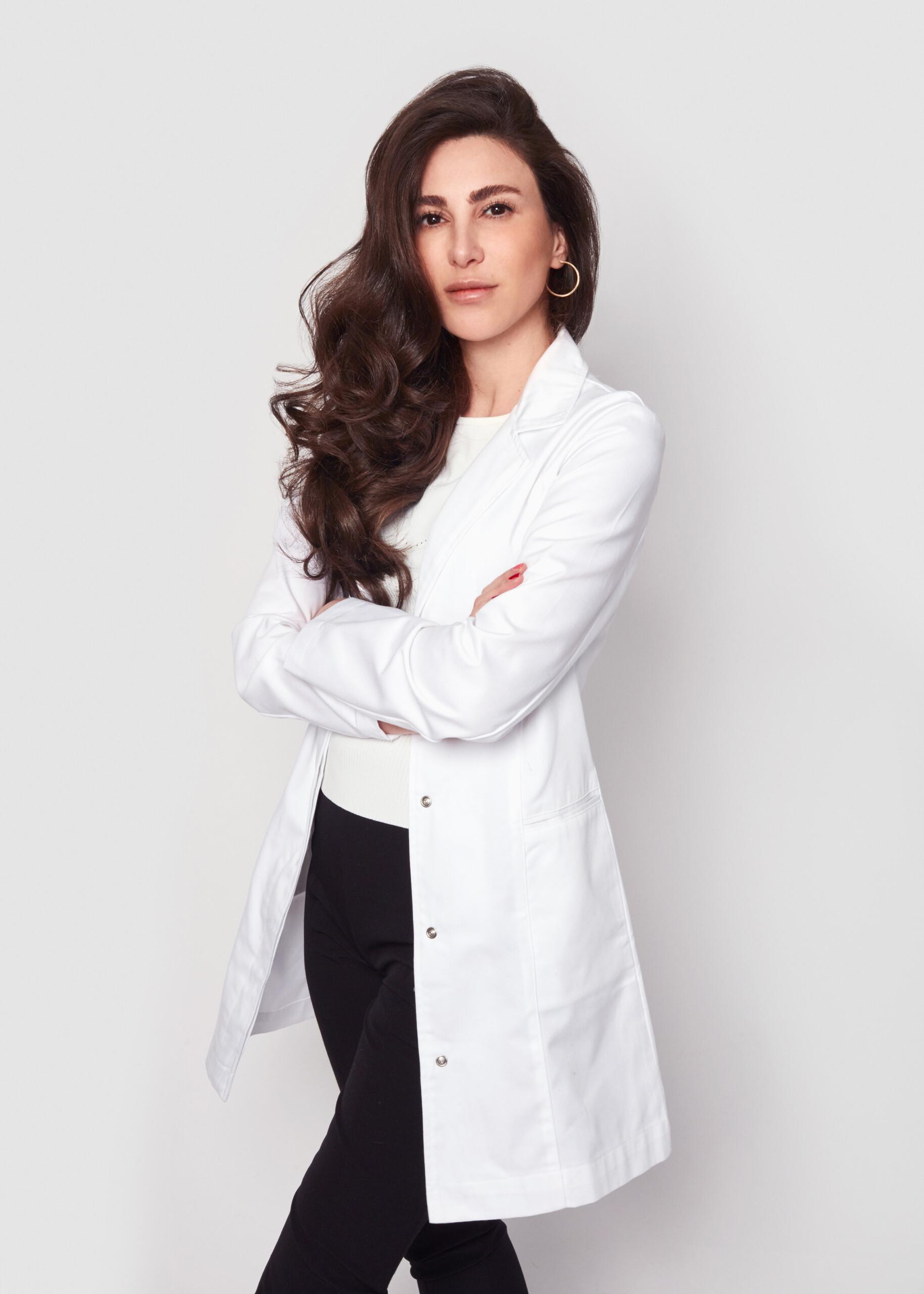 Dr. Emi Arpa